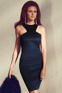 Hire Hairstyle For A Cutout Dress