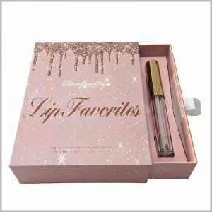 Bring elegance to your lip gloss by providing a fancier outlook